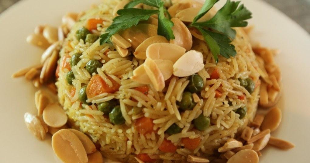 طريقة عمل الأرز المبهر بالخضار والمكسرات
