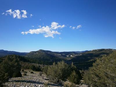 Vistas desde el Cerro de Enmedio, Campillos - Sierra, Cañete
