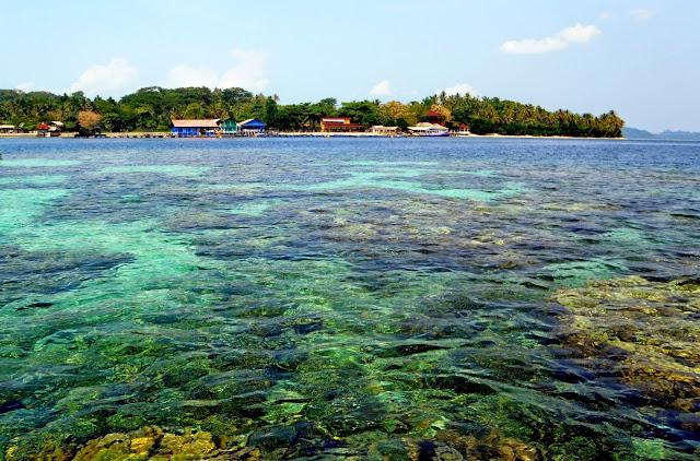 Asyiknya Berlibur Ke Pulau Tanjung Putus Di Lampung... Silahkan Share..!!