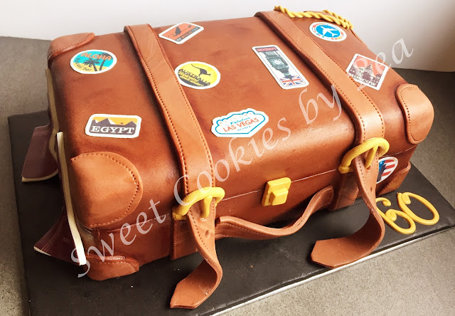 Tarta maleta de fondant