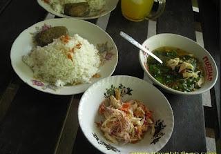 http://www.teluklove.com/2017/01/pesona-wisata-kuliner-nasi-sambel-bejek.html
