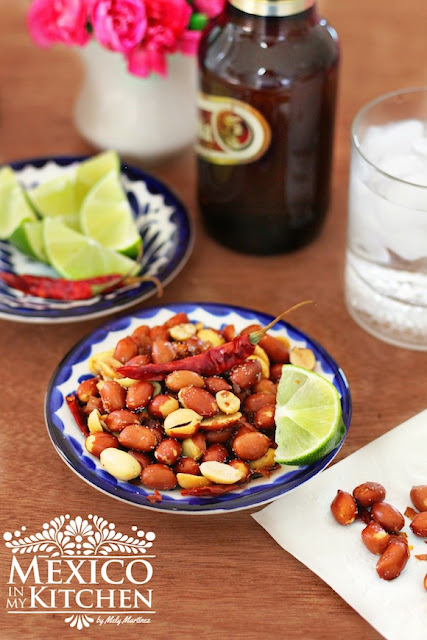 Hot & Spicy roasted peanuts with chile and garlic.