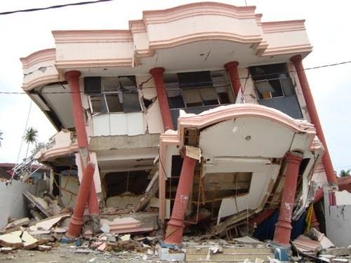gempa bumi mengakibatkan kerusakan properti