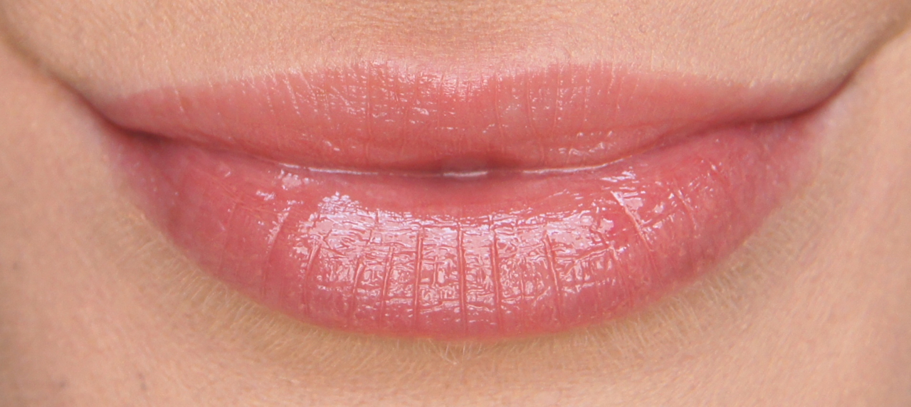 clarins instant light lip balm perfector 06 rosewood swatch review