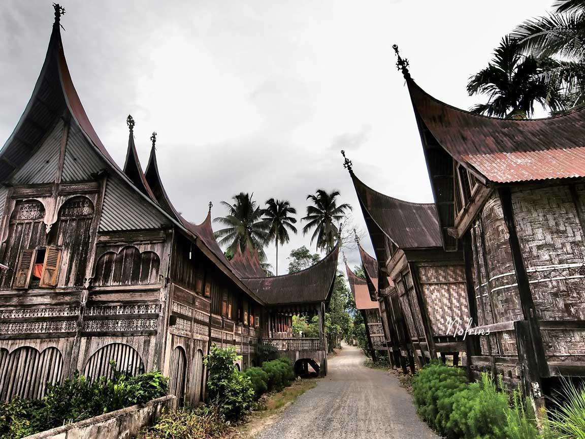 Nagari Saribu Rumah Gadang Padang Info