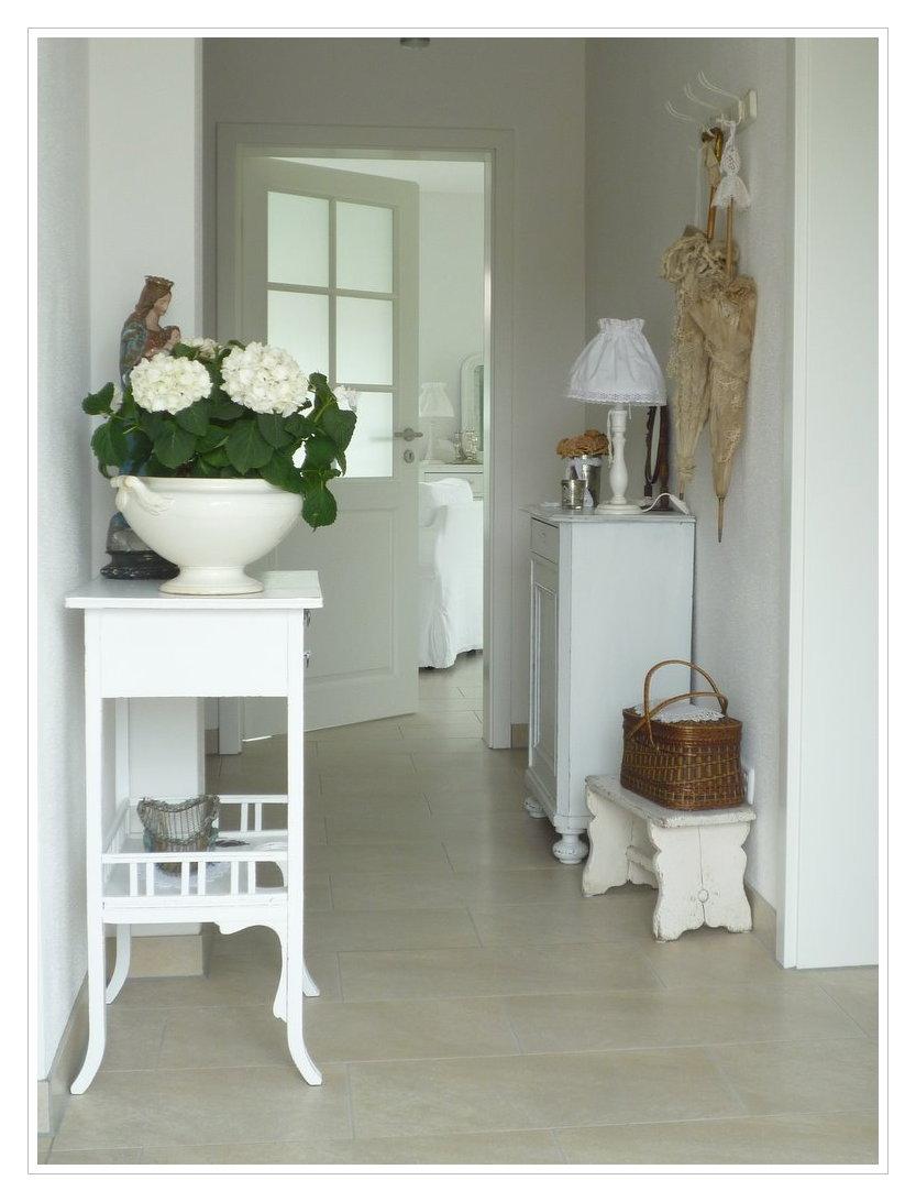 wohnwohltaten der blog erste einblicke ins neue heim. Black Bedroom Furniture Sets. Home Design Ideas