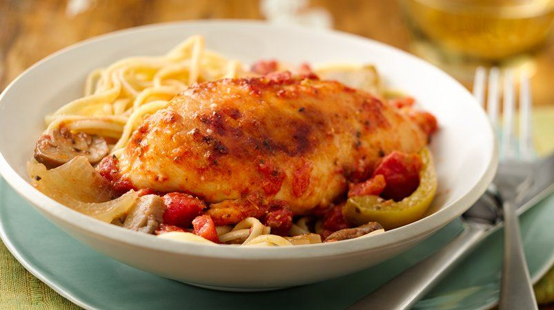 An Italian classic. Thanks to the slow cooker, Chicken Cacciatore can greet you warmly when you come home from work!