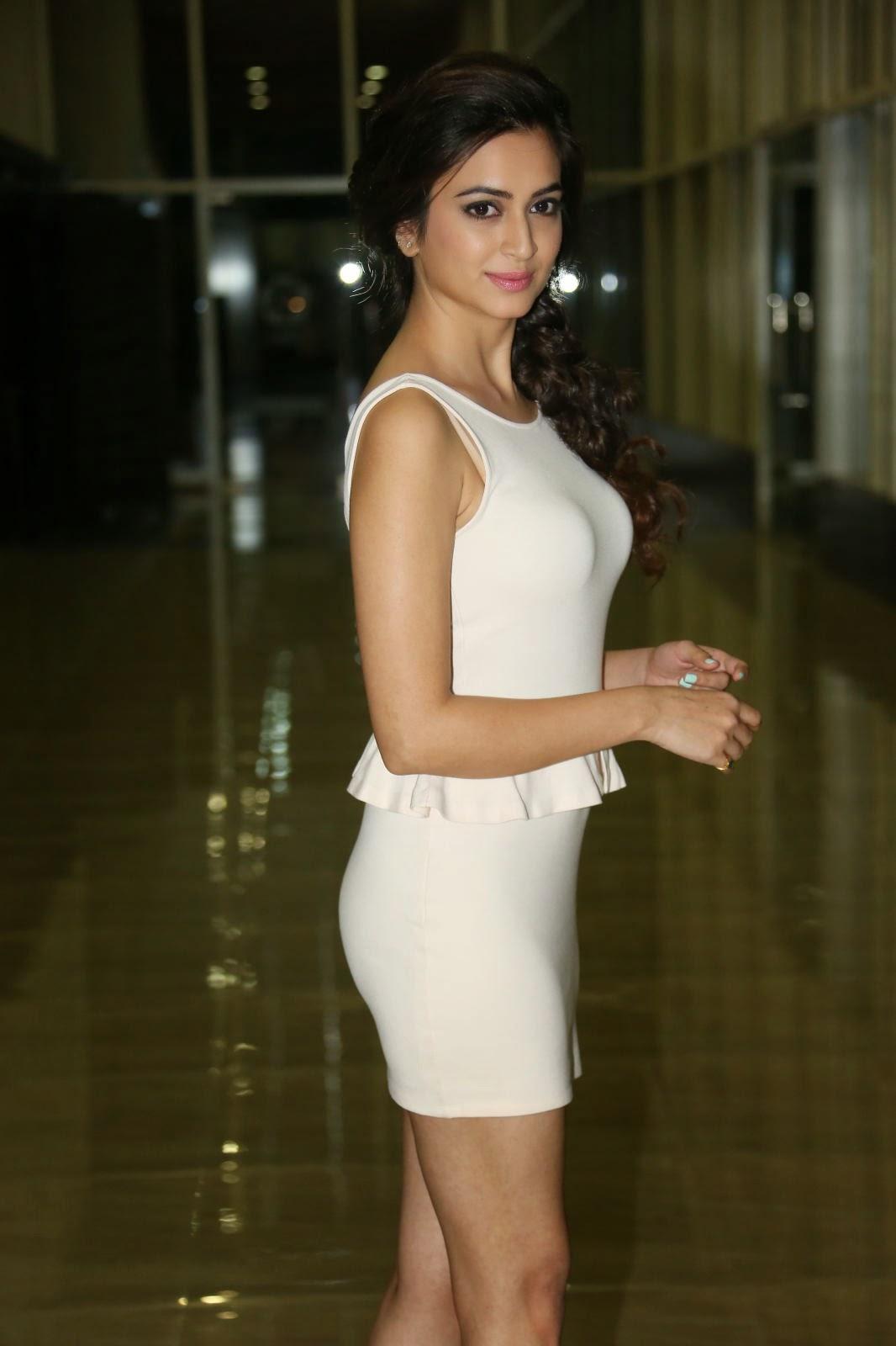 Aishwarya Arjun Hot Bikini Bra Cleavage Images, Thighs
