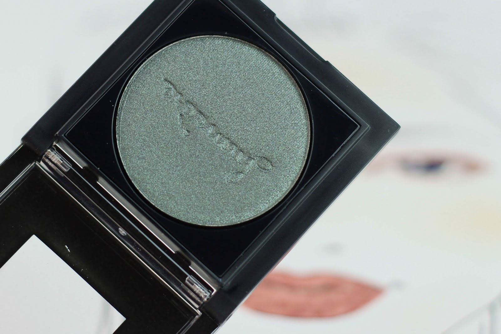 catrice, Prêt-à-Lumière Longlasting Eyeshadow, lidschatten, review, swatches, neues sortiment, 2016, herbst, farbtrends, drogerie, schimmer, longlasting eyeshadow, Prêt-à-Lumière, nude, cosmetics, look,