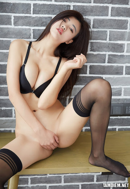 Hot girls One day 1 sexy girl P17