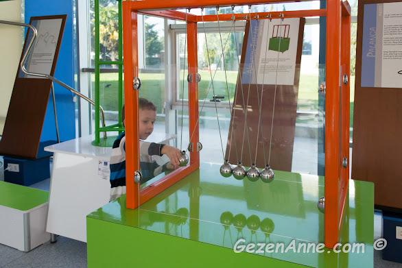 Bilim merkezleri çocuklar için hem bilgilendirici hem eğlenceli, Sancaktepe