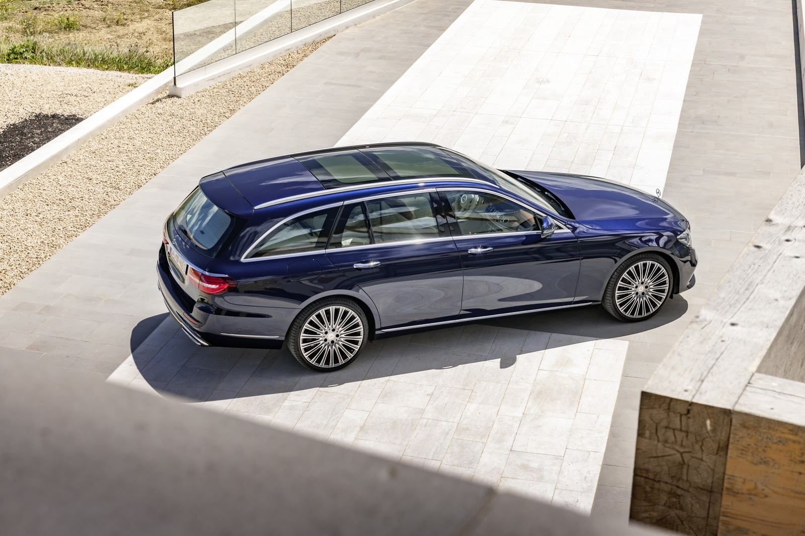 New 2017 mercedes benz e class estate unveiled gets 396hp for Mercedes benz e class amg 2017