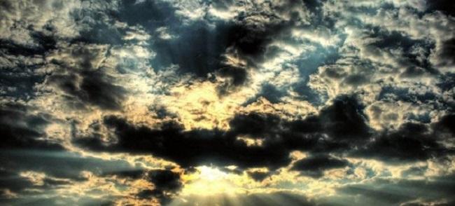 Απότομη μεταβολή του καιρού το Σαββατοκύριακο: Τοπικές βροχές και σποραδικές καταιγίδες