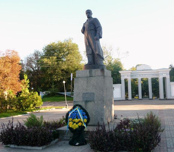Бердичів. Пам'ятник Т. Г. Шевченку біля парка ім. Шевченка