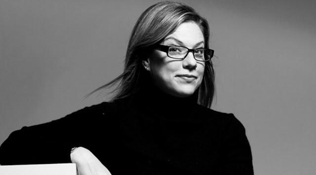 Debbie Millam : Esprit stationnaire ou mobile, elle préside le programme «Master en Branding» à l'école des arts visuels, est la rédaction et directeur de la création de l'impression, un blogueur pour fast Company , et le «président émérite» de AIGA.