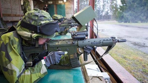 الخدمة العسكرية في طريقها الى العودة في السويد