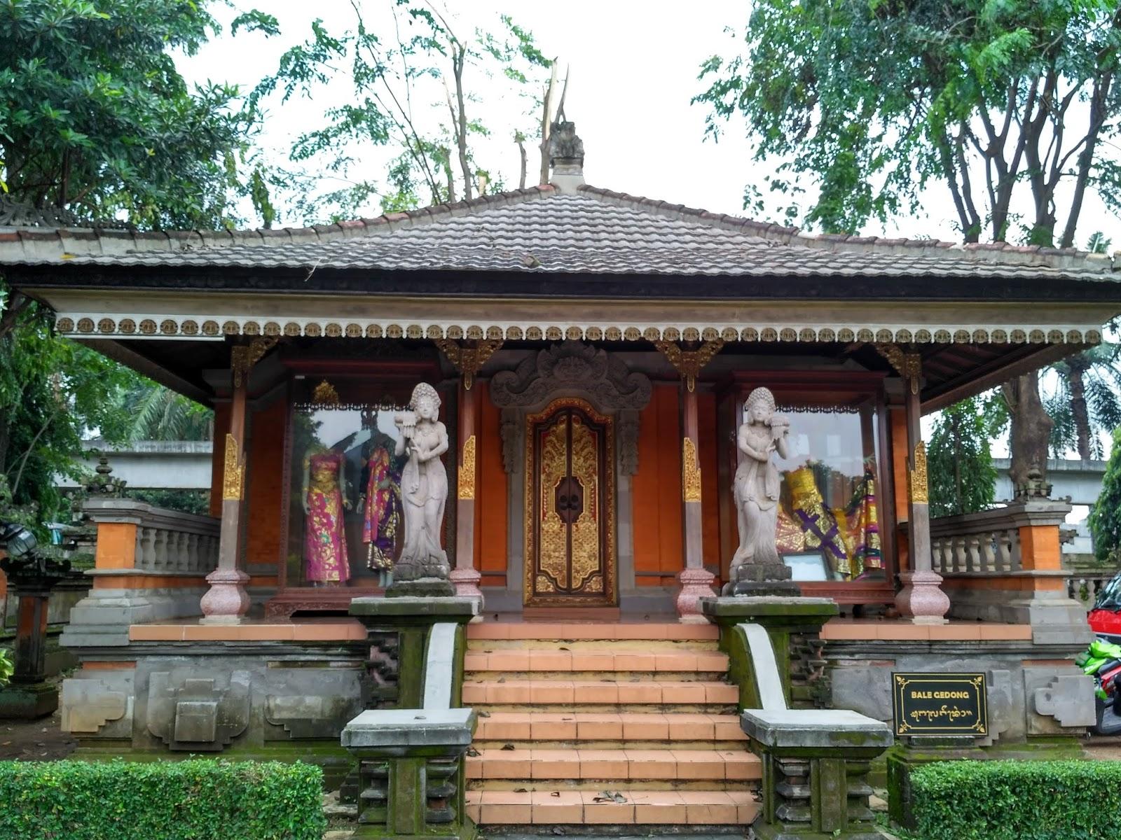 Desain Rumah Adat Bali Minimalis  Desain Rumah Minimalis
