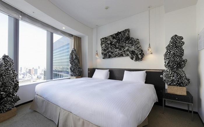 No. 3 Park Hotel Tokyo Artist Room 'Washi' designed by Naoki Takenouchi