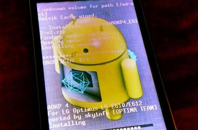 Berbicara Android sudah pasti kamu tidak asing lagi dengan yang namanya  2 Cara Root Semua Hp Jenis Android 100% Work