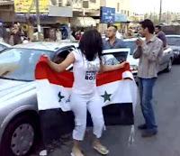 تحتفل العراقيات بفوز المنتخب الوطني 3raq.JPG