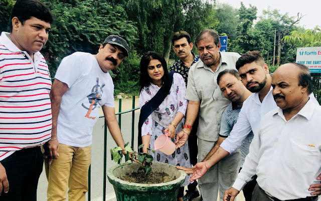 Planting, Planting and Distribution Distributed by the Faridabad Front Society Society