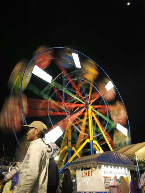permainan-pasar-malam-bianglala