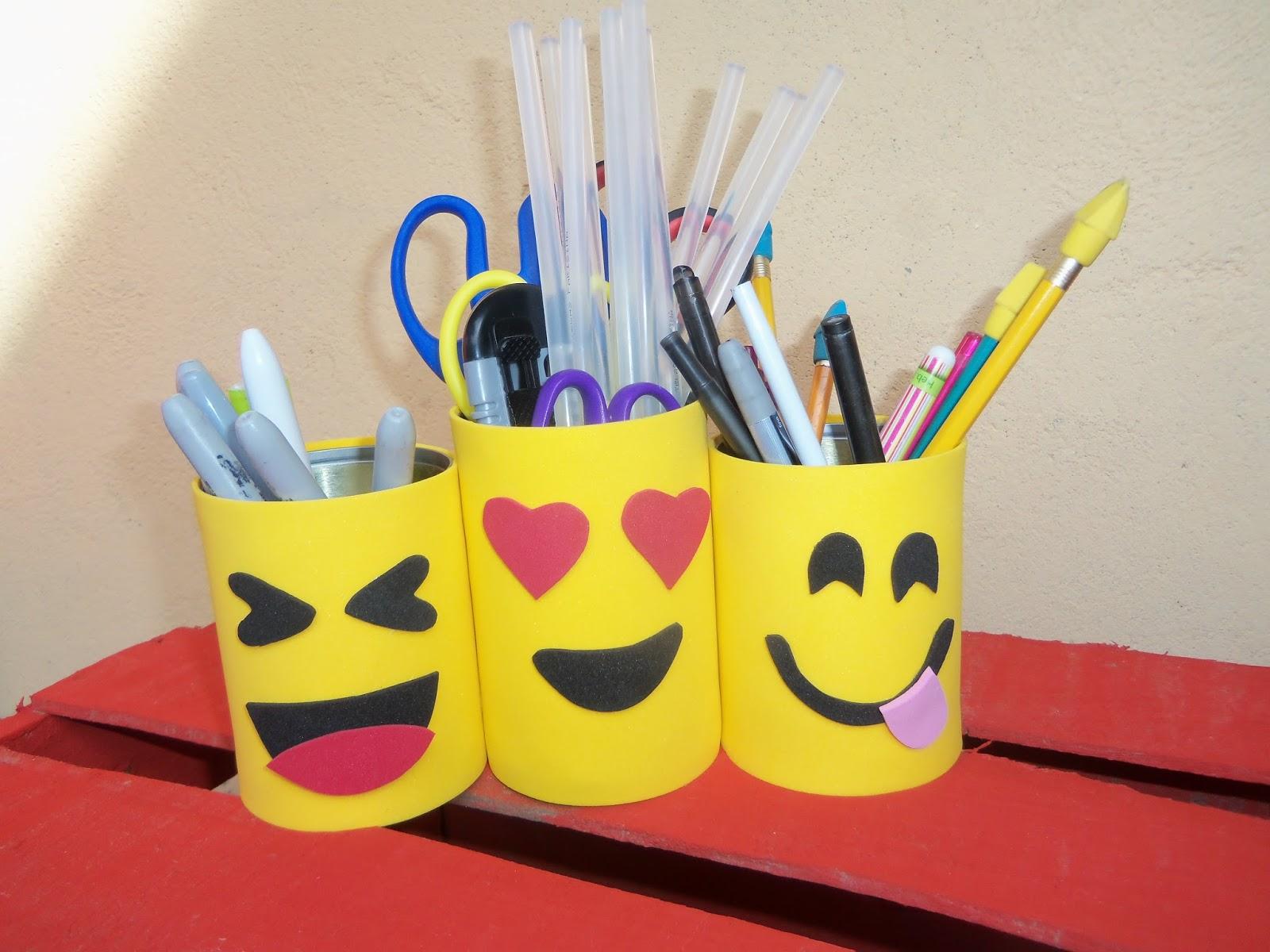 Miizzmagdiizz1 lapiceros de emojis manualidades de for Lapiceros reciclados manualidades