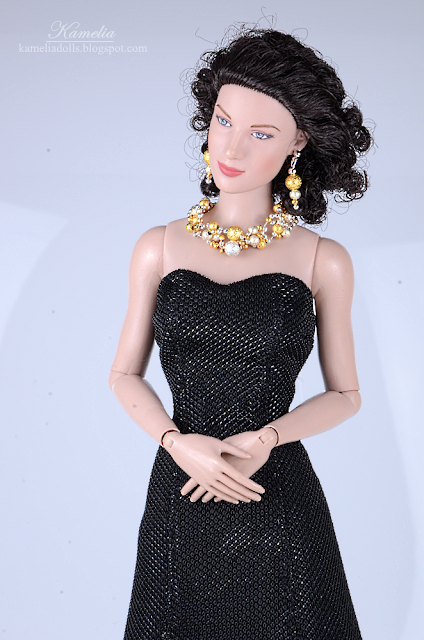 "Handmade necklace and earrings for 16"" Tonner doll"
