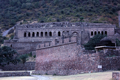 Bhangarh-fort-India-image