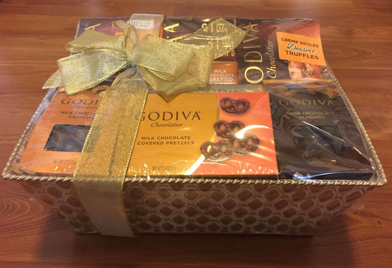 The ultimate gift basket guide for the holiday season diva likes take a look below to see what i got in the godiva chocolate elegance chocolate gift basket negle Image collections