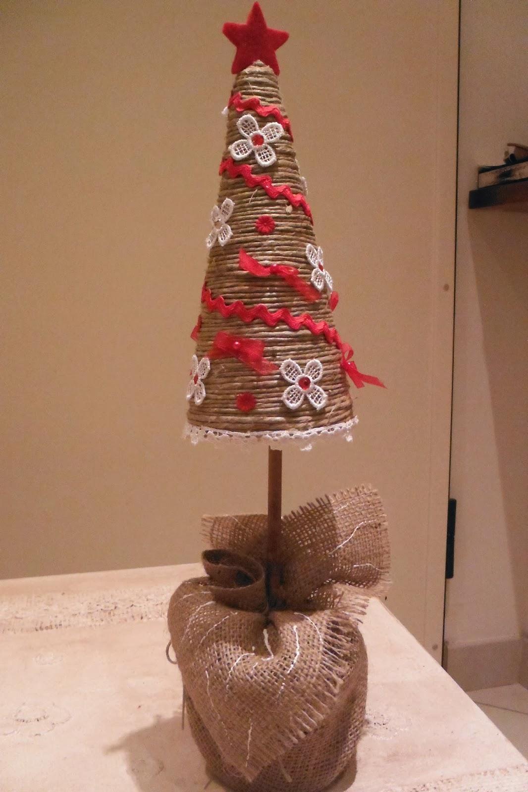 Polistirolo,fili, nastrini, tessuto, paglia e vecchie riviste. Le Mie Piccole Cose In Feltro Lavoretti Di Natale 2