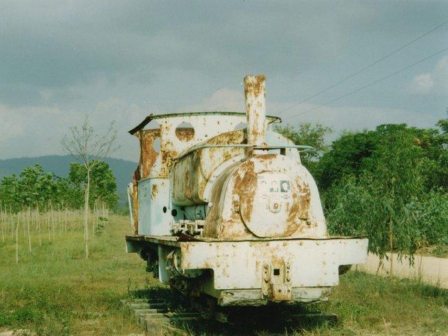 Ржавый старый паровоз