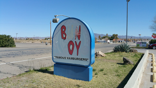 Abandoned Bun Boy Restaurant in Baker, California