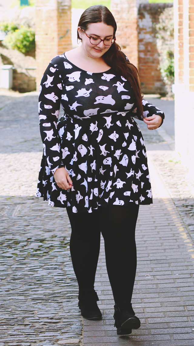 Boohoo plus size halloween dress
