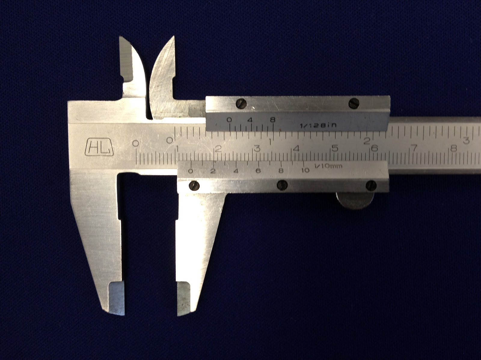 hight resolution of picture taken by lookang on a real vernier caliper