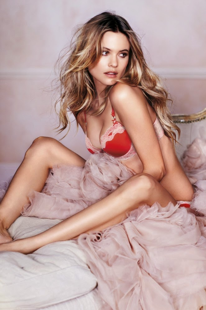 Behtati Prinsloo in sexy lingerie for the Victoria's Secret 2015 Valentine's Day Lookbook