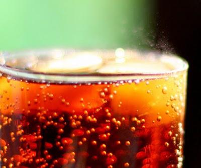 Dampak Positif dan Negatif Minuman Bersoda