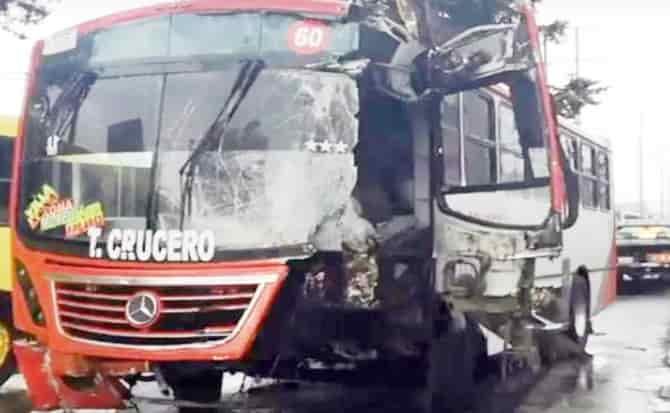 Autobús, frenos, impacto