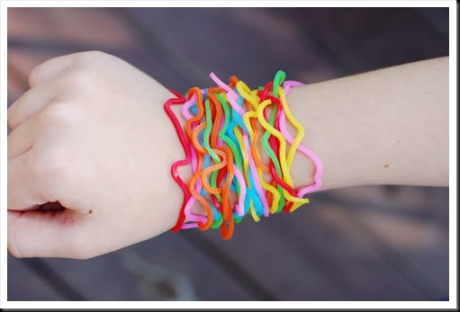 Mall of Style: Silly Bandz - How the Big Trend Wave begun