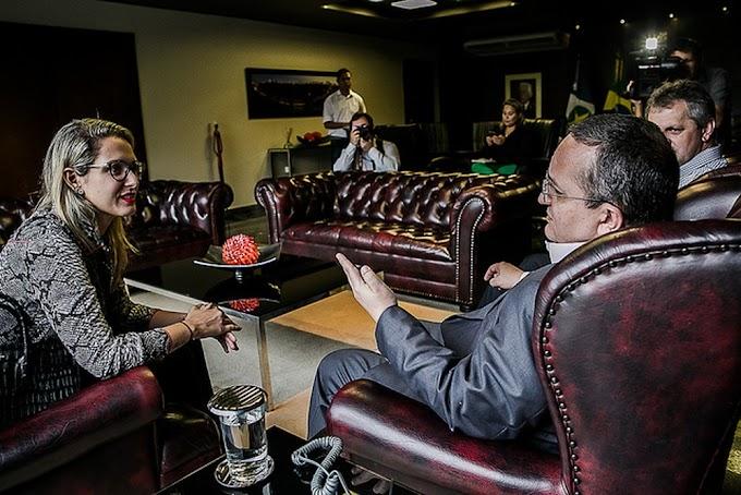 Deputada publica vídeo de desculpas após chamar governador de MT de 'veado'