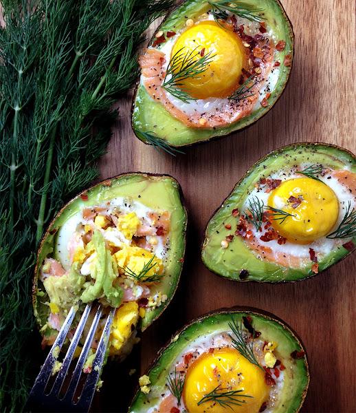 #Recipe : Smoked Salmon Egg Stuffed Avocados