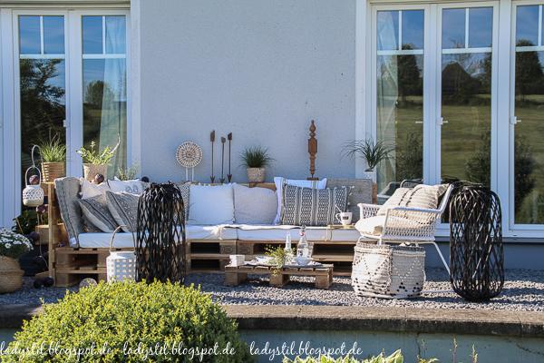 Palettenlounge selberbauen, Dekoideen für Terrasse und Garten,Terrassenansicht
