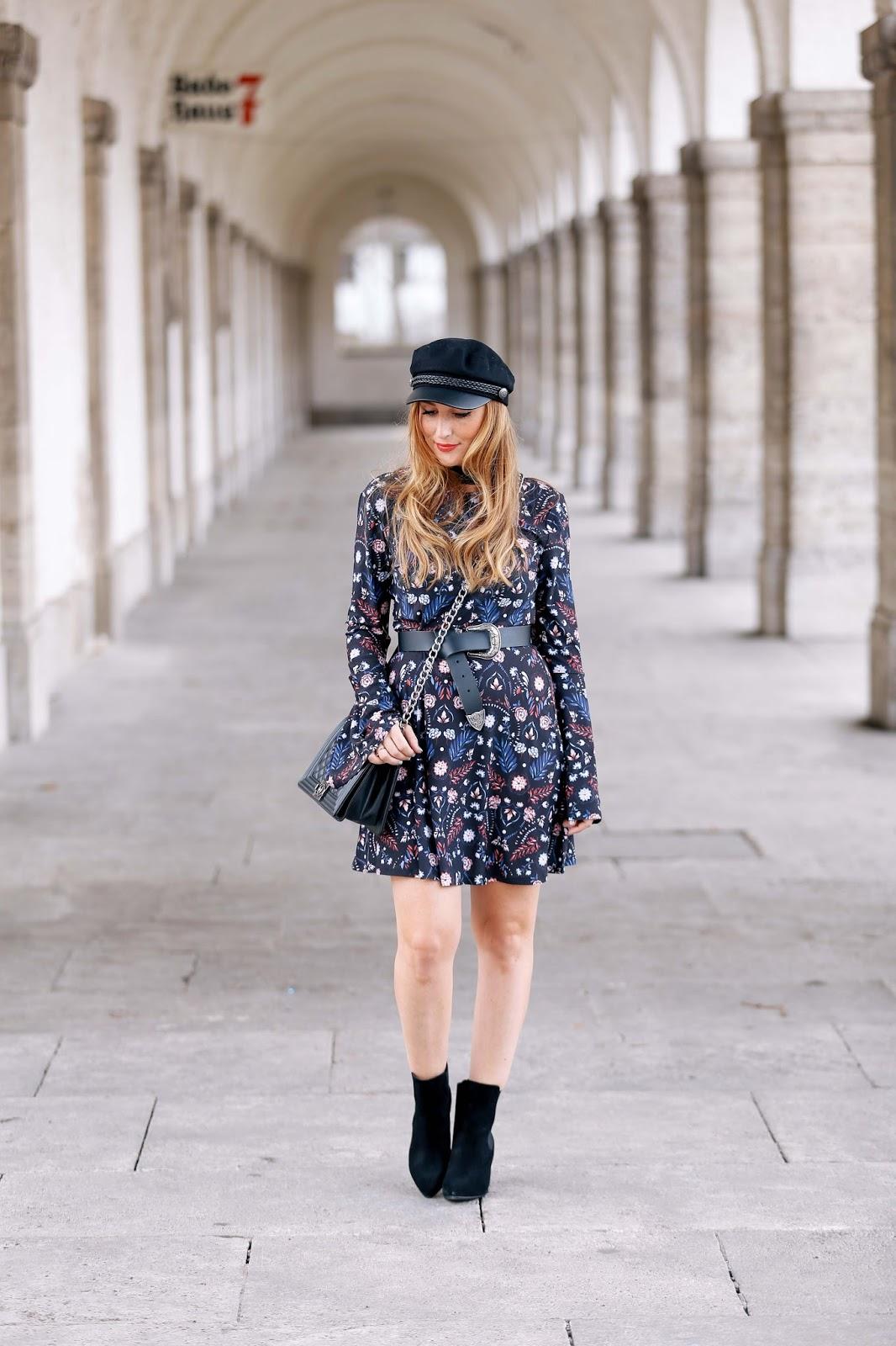 Fashionstylebyjohanna-ivyrevel-H&M-Schiffermütze-blogger-mit-schiffermütze-fashionstylebyjohanna-fashionblogger-braune-wildlederjacke-braune-lederjacke-blogger-mit-brauner-jacke
