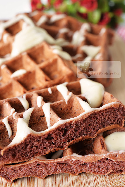 easy red velvet waffles cream cheese