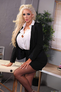 Nicolette-Shea-%3A-Massaged-On-The-Job-%23%23-BRAZZERS-b7aeftm1qs.jpg