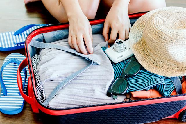 Bagajul de vacanta ideal: 10 lucruri pe care NU trebuie sa le uiti acasa