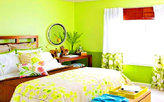 Memasang jenis tirai yang tepat untuk kamar tidur