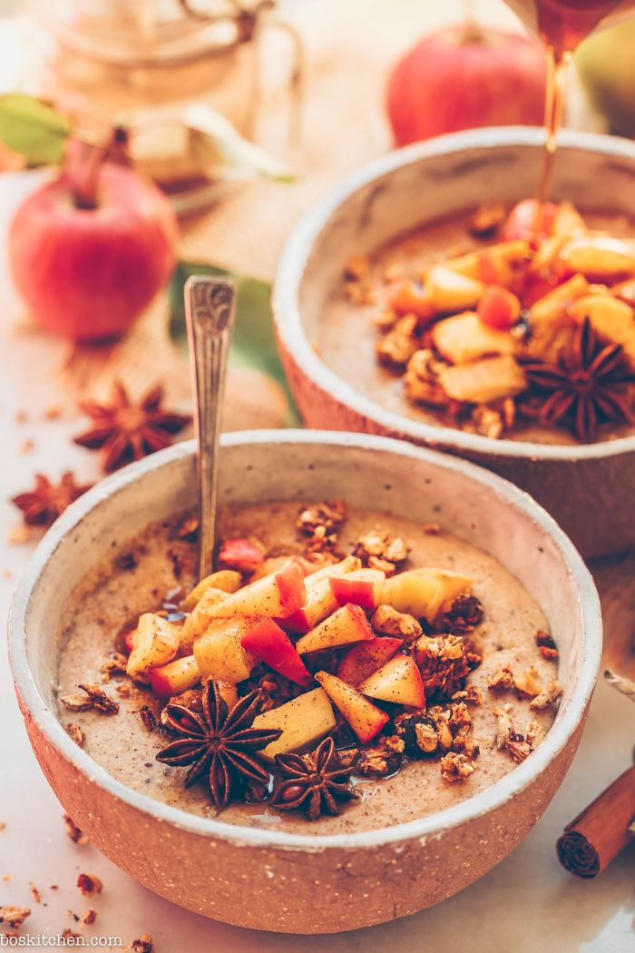 1. Spiced Apple Pie Oatmeal. Need more recipes? Find 21 Easy and Healthy Vegan Oat Recipes To Make Best Weight Loss Breakfast Ever! vegan breakfast oatmeal | oatmeal ideas | oatmeal recipes weightloss | oatmeal breakfast recipes #oats #oat #oatmealbowl #oatmilk #veganmeal #vegan #breakfast