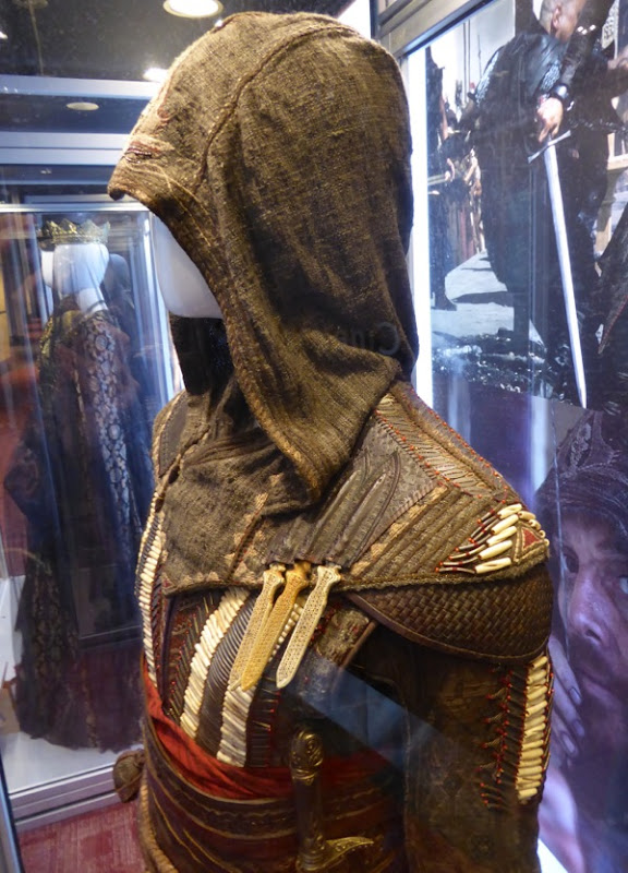 Assassins Creed Aguilar hood costume detail