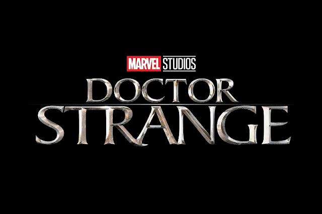 Póster en castellano de 'Doctor Strange (Doctor Extraño)'